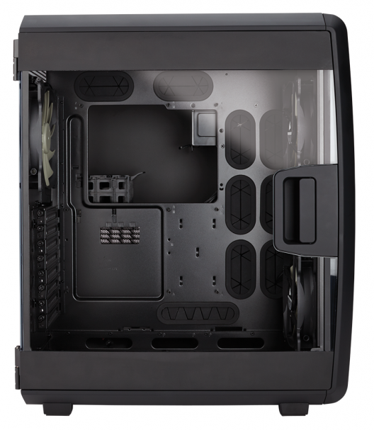Corsair Carbide Series Air 740 im Test (3/6)